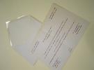 Invitación en papel arjowiggins efecto perlado en color